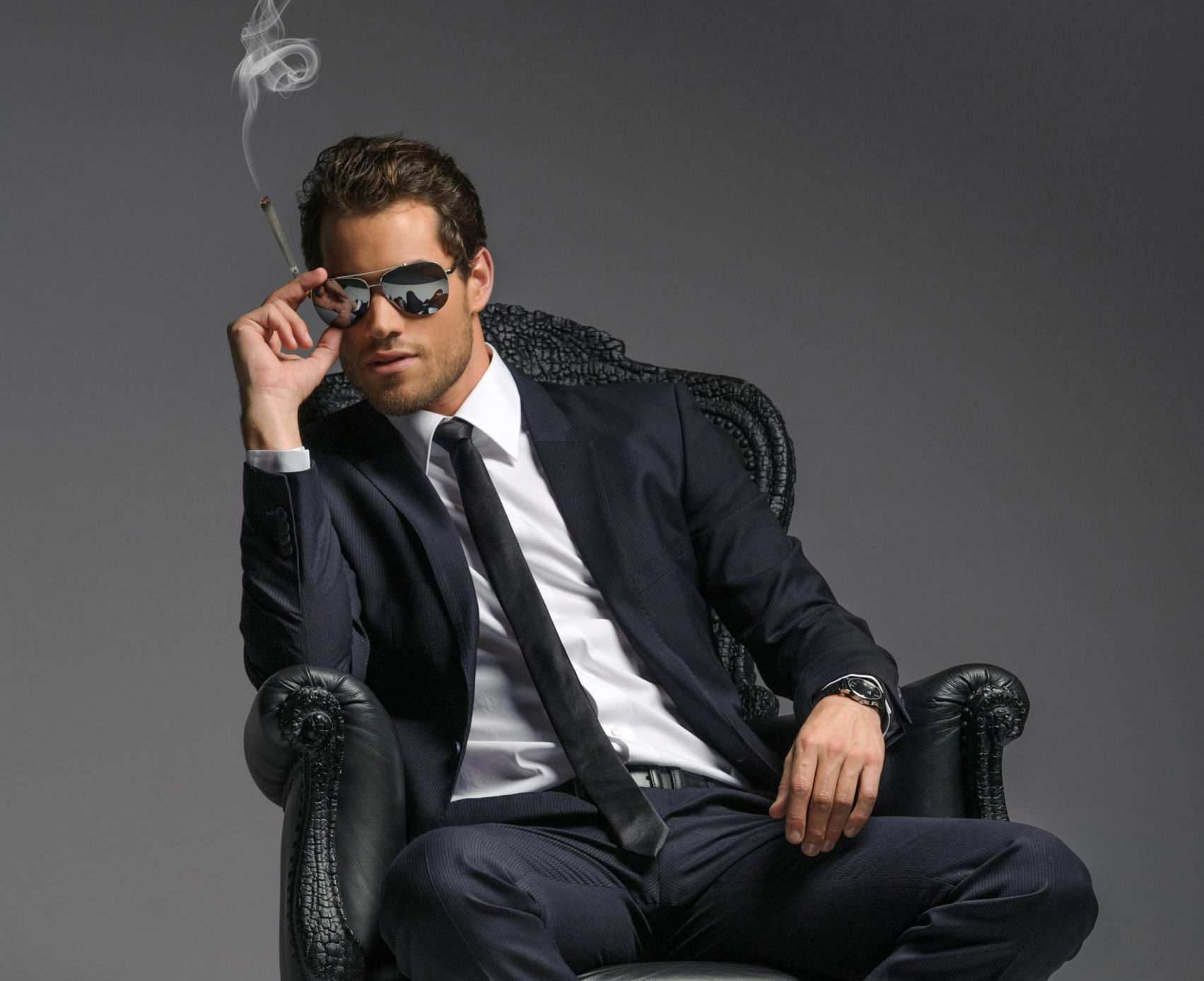 Best Hemp Flower Products Learn How to Smoke at Work